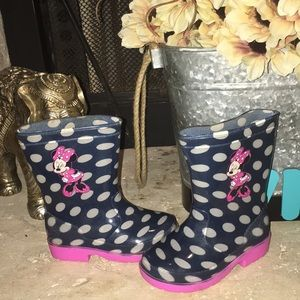 Disney rain boots. Size 6 toddler
